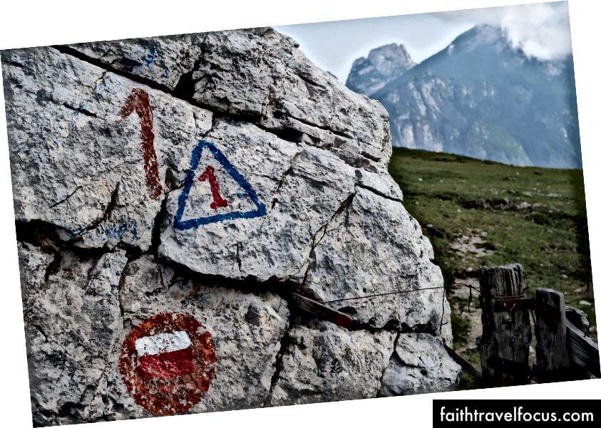 Trekanten med 1 innsiden er symbolet på Alta Via 1