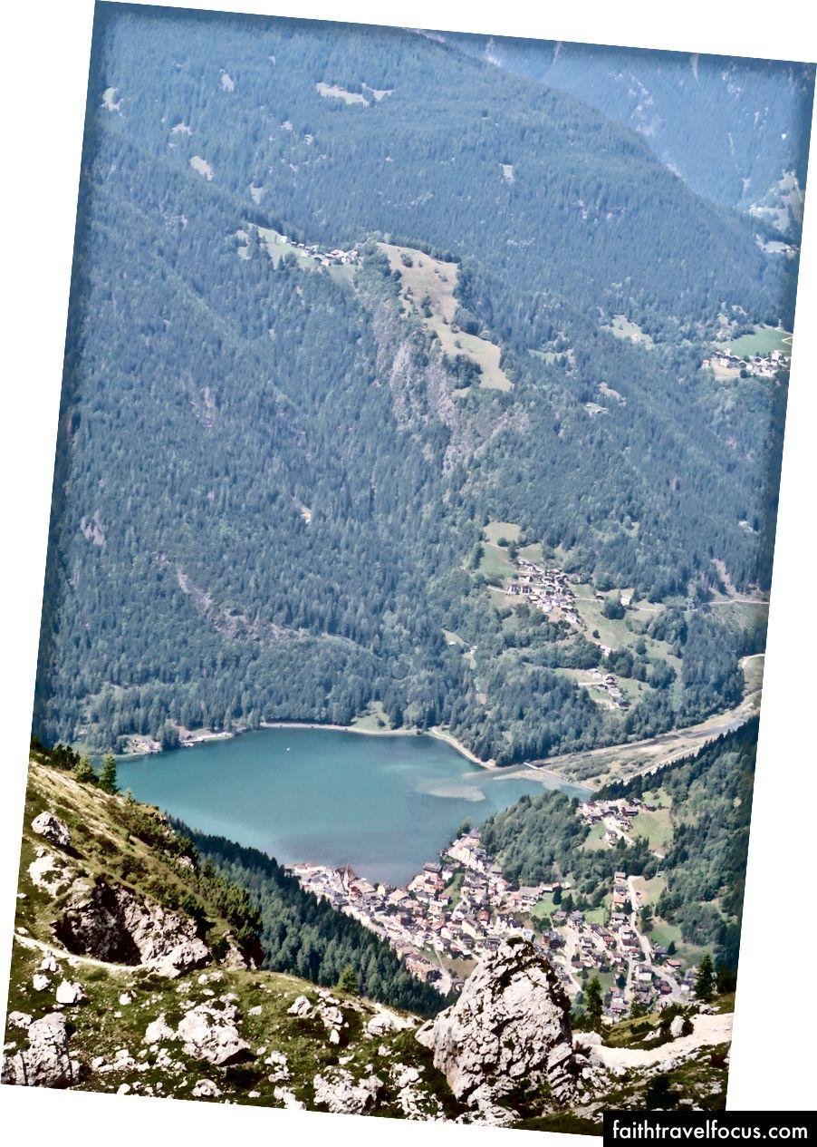 Đó là hồ Alleghe