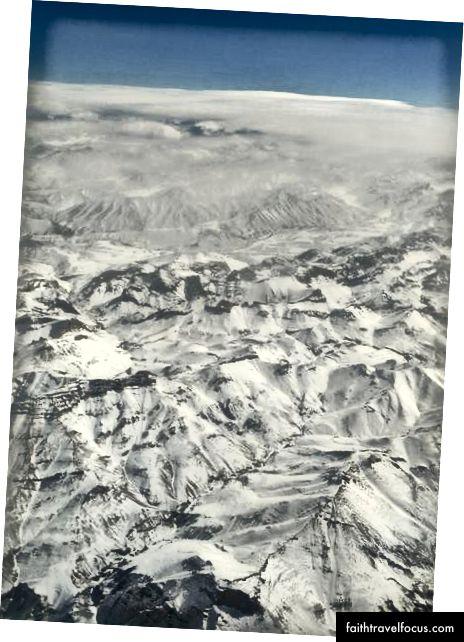 Снежные горы с самолета