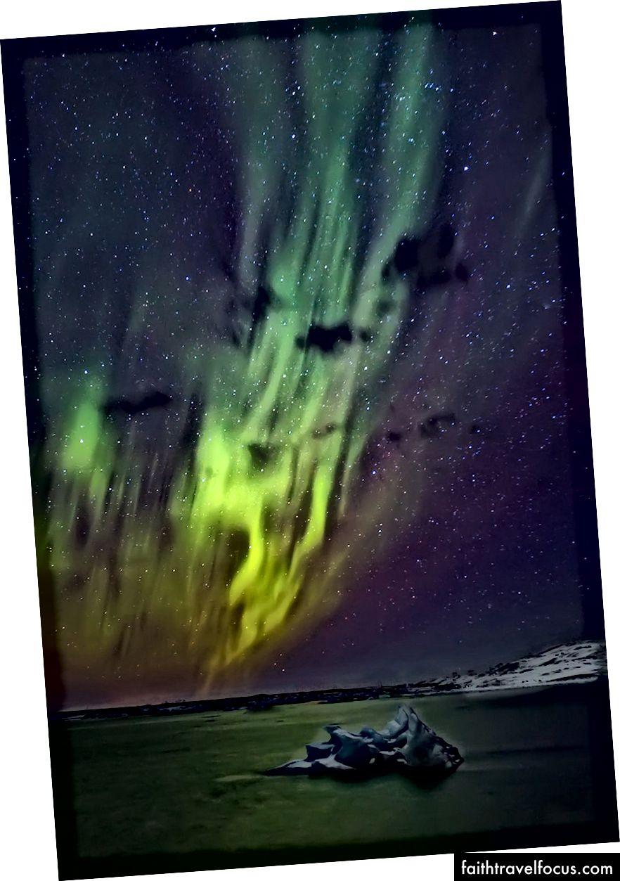 Північне сяйво в Лагуні льодовика, Джокульсарлон