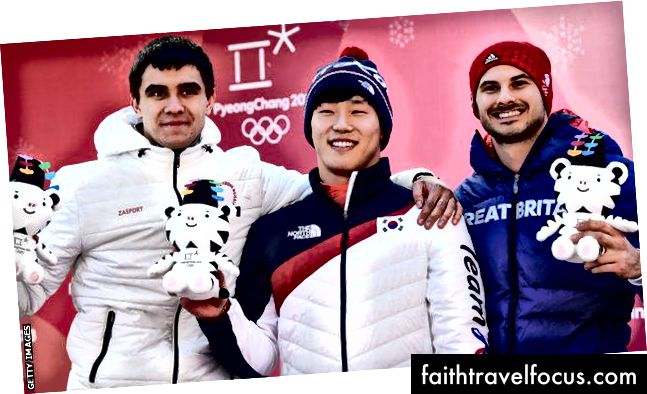 Nikita Tregubov (Nga, Bạc), Sungbin Yun (Hàn Quốc, Vàng) và Dom Parsons (Anh, Đồng) - Ảnh: Getty Images