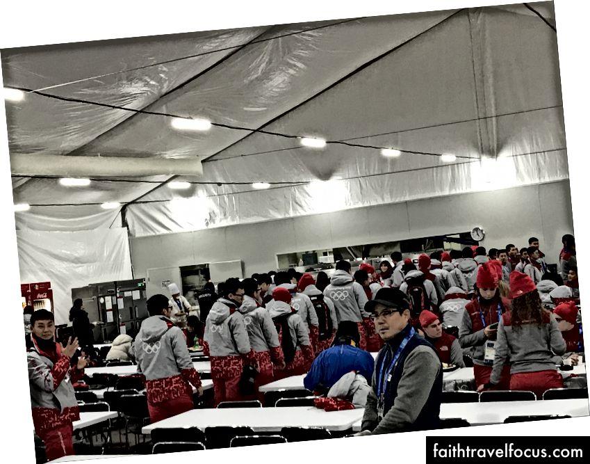 Quán cà phê tình nguyện tại Trung tâm trượt Olympic