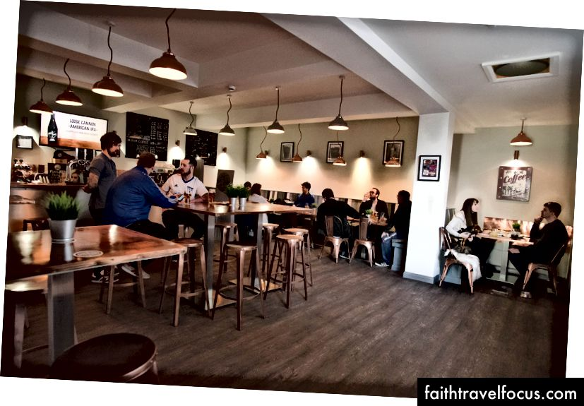 Café Toon Microbrewery và Café