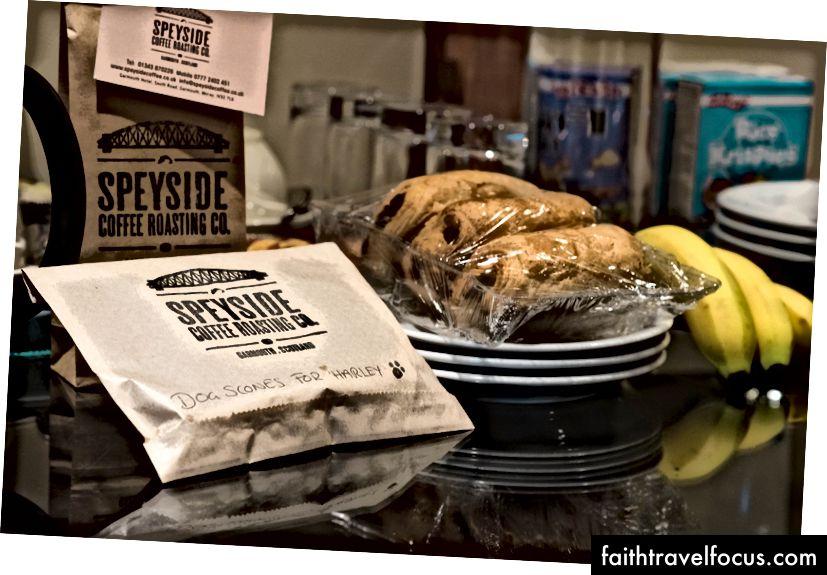 Bánh nướng tại nhà cho Harley! Và cà phê Speyside xay cho chúng tôi - rất không axit, đó là cách chúng tôi thích nó!