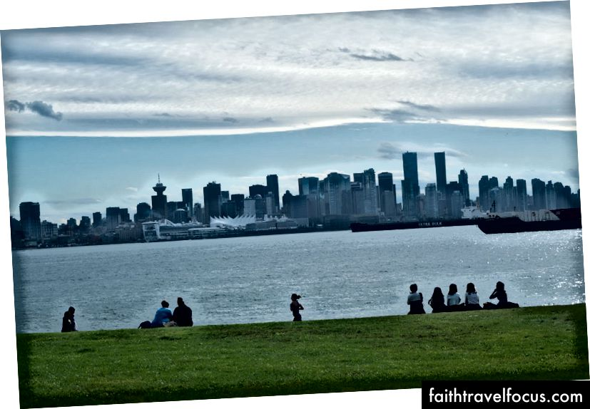 Як щодо поїздки у Ванкувер, Прекрасна Британська Колумбія?