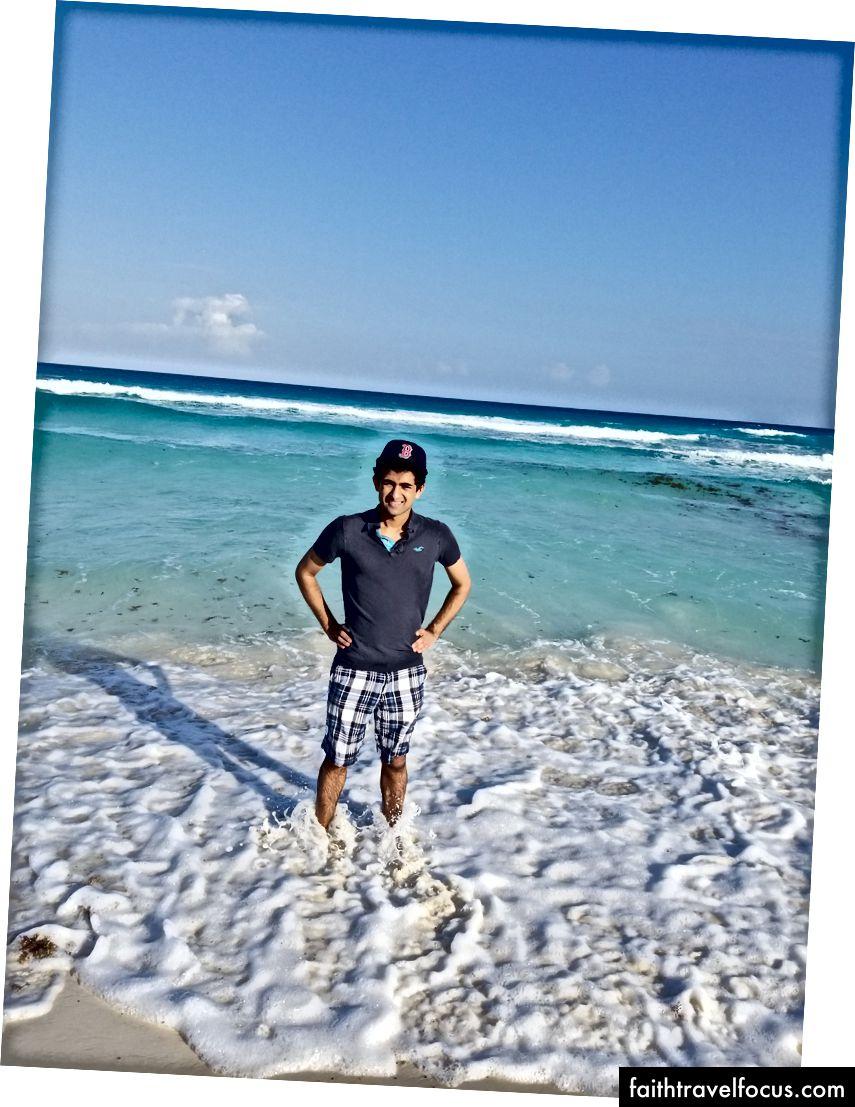 Tôi ở bãi biển trong Khu khách sạn Cancun Cancun.