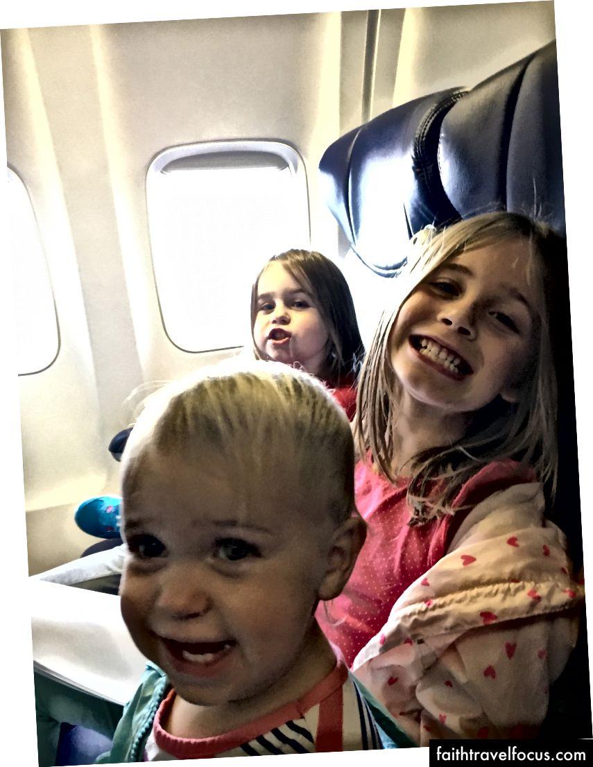 รับเครื่องบินพร้อม