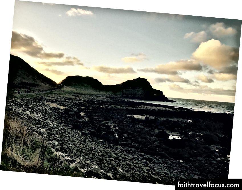 Bờ biển gồ ghề của Bắc Ireland. (Tháng 1 năm 2017)