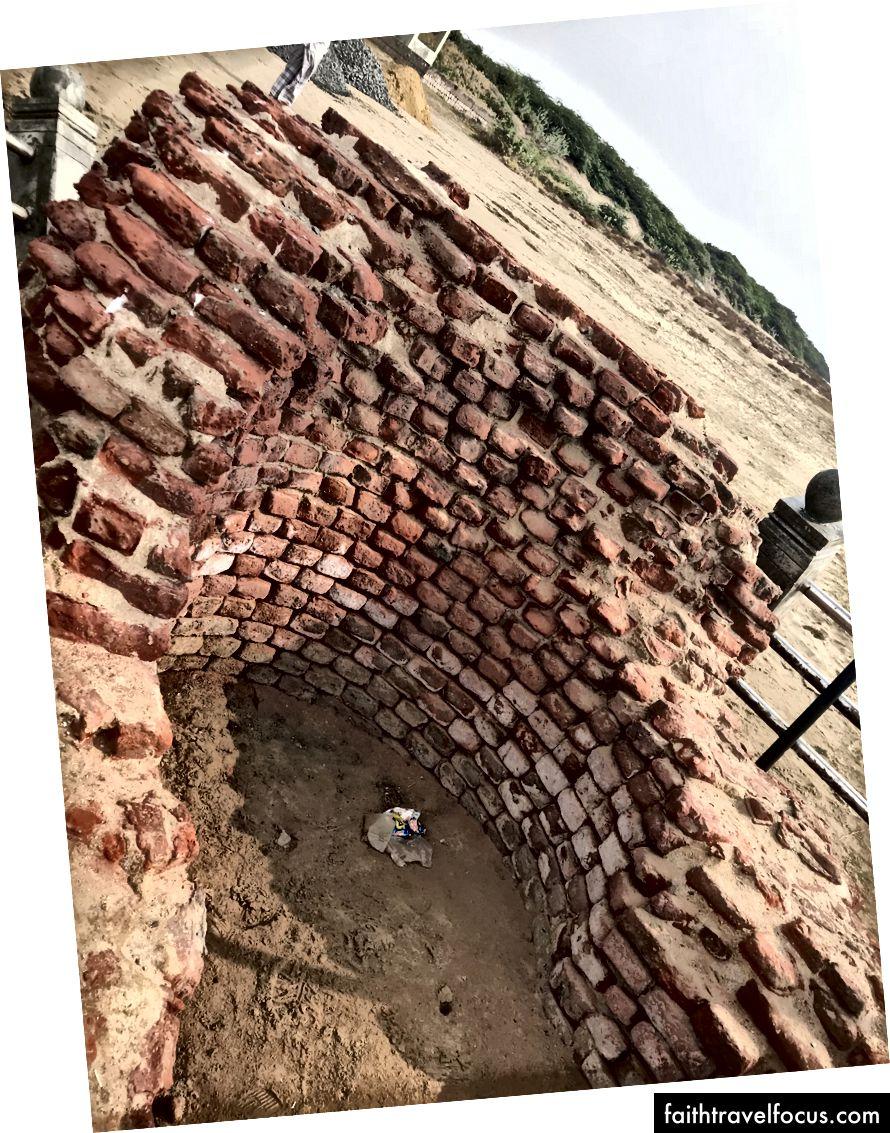 Ngọn hải đăng được xây dựng bởi Chozhas