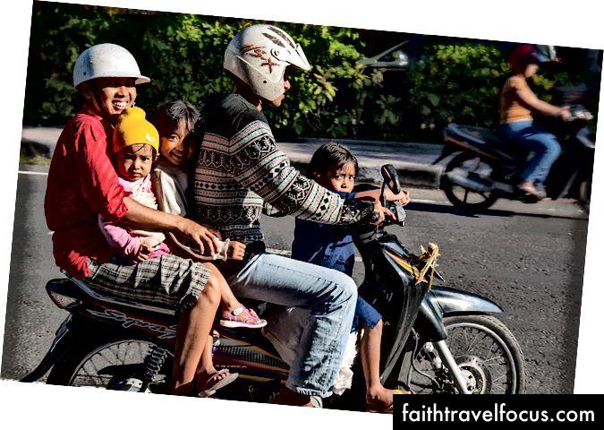 Bali, Endonezya yol boyunca sayısı. Resim kredisi: Keulefm - Pixabay'de