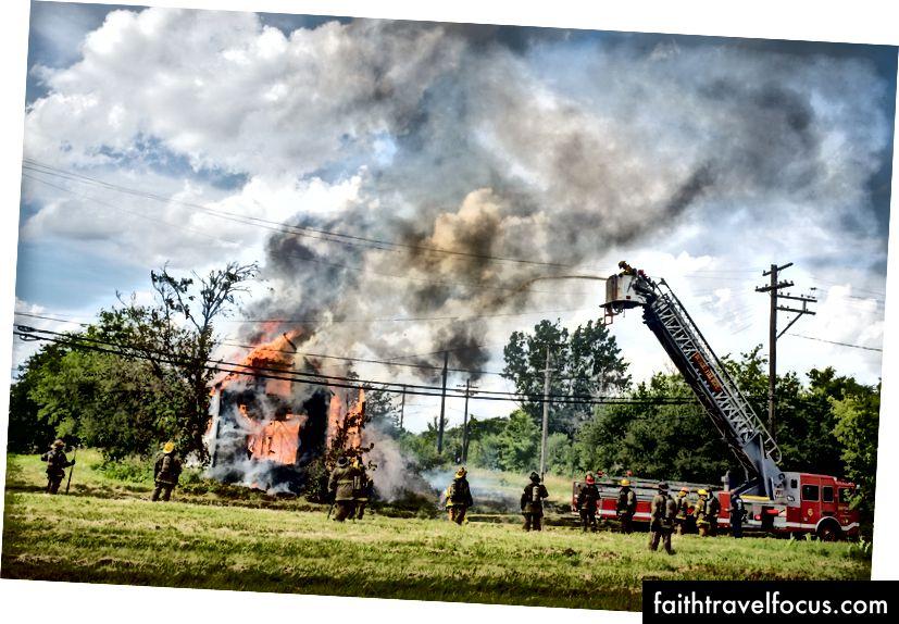 Cháy nhà bị bỏ hoang - Detroit Michigan 2015