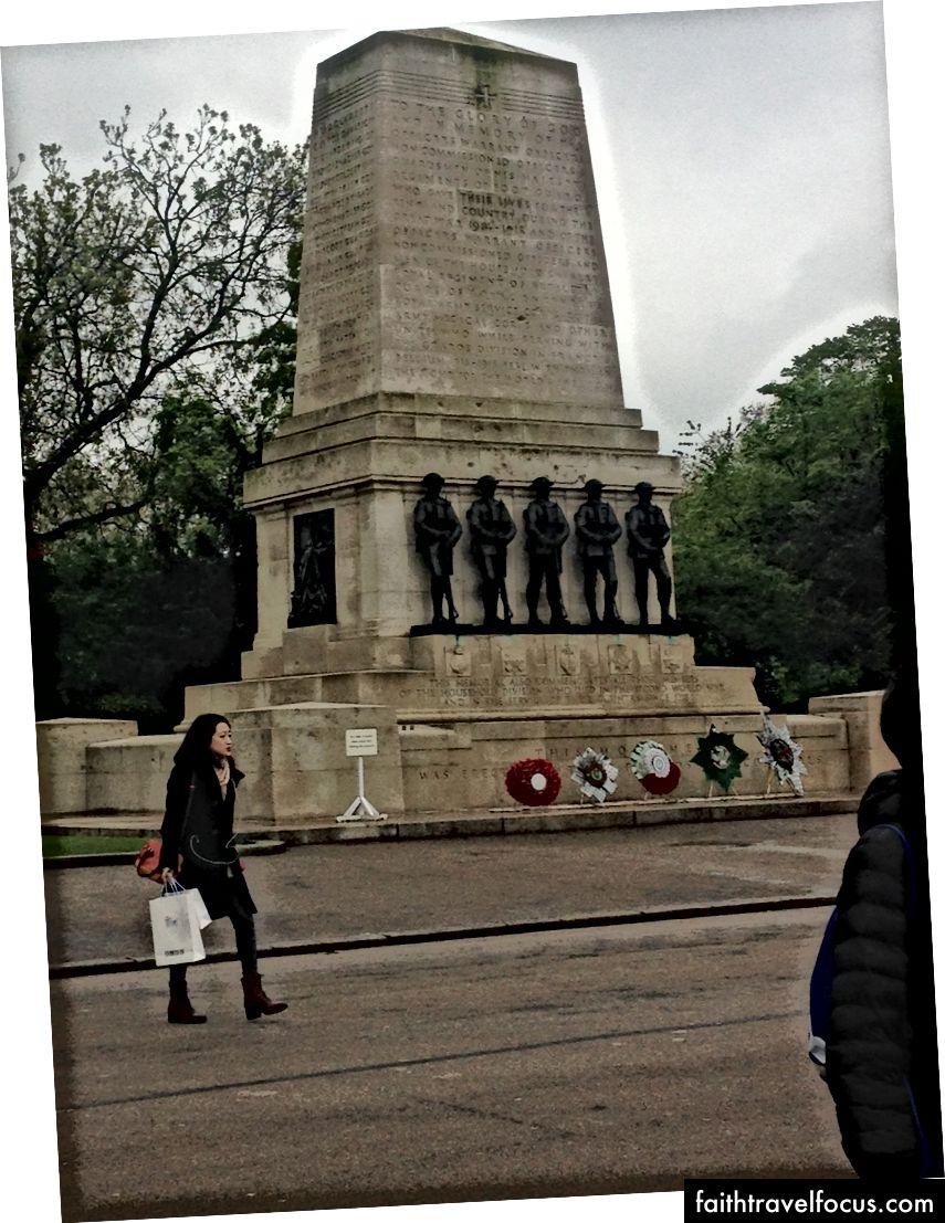 Đài tưởng niệm trên đường Downing