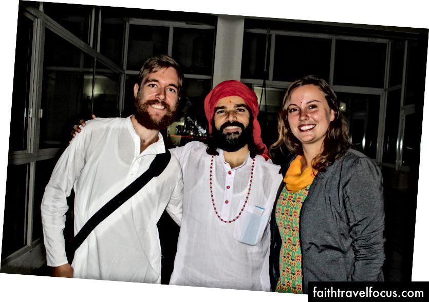 Hindistan'ın Rishikesh şehrinde Yogi ile ilk Yoga ve Meditasyon deneyimleri