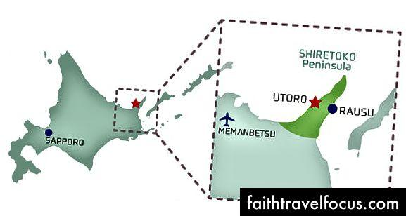 Shiretoko nằm trong Hokkaido. Về phía đông của Rausu là đảo Kunashir