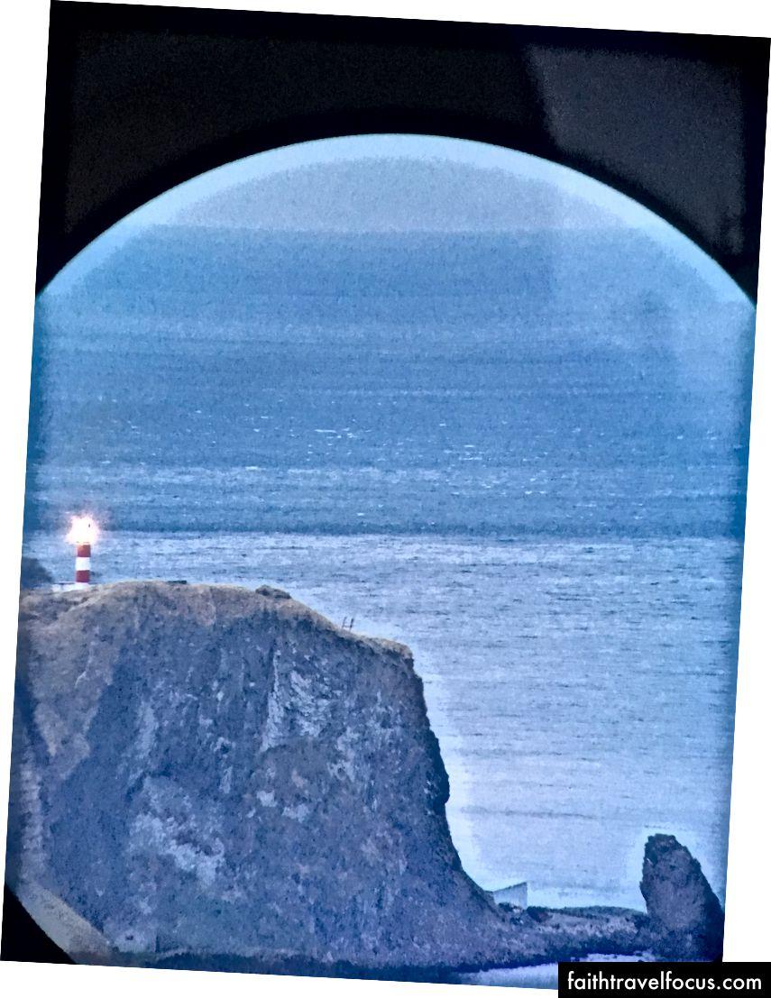 ngọn hải đăng đó nằm trên đỉnh của vùng đất xa xôi nhất trong top pic