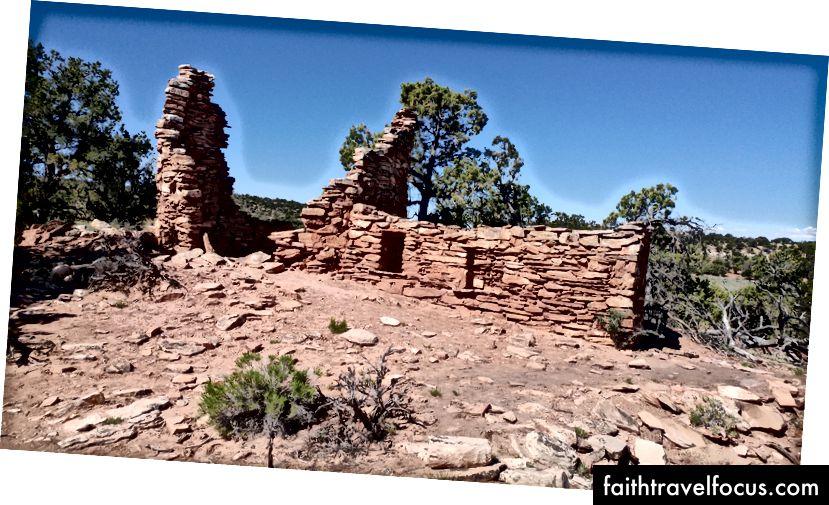 Anasazi ทำลายล้างจากยุคปวยที่สามในครั้งเดียวและหวังว่าจะเป็นอนุสรณ์สถานแห่งชาติ Bears Ears ในอนาคต ภาพถ่ายโดยผู้เขียน