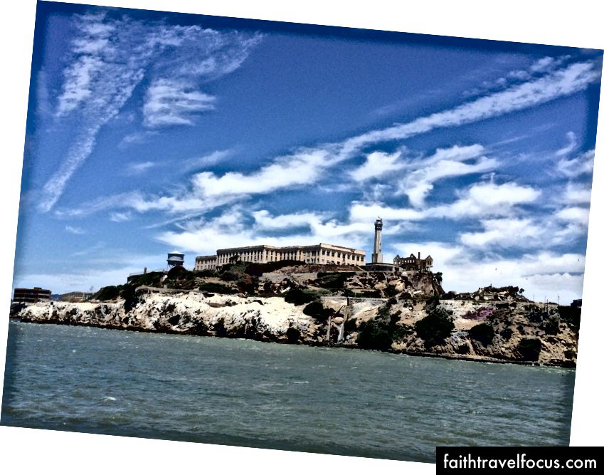 San Francisco Körfezi'nde dünyaca ünlü Alcatraz Adası.