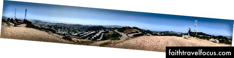 Toàn cảnh được chụp trên Đỉnh núi đôi