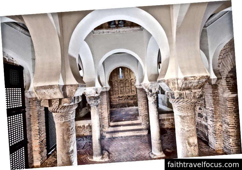 Mezquita de Bab al-Mardum, Chịu đựng