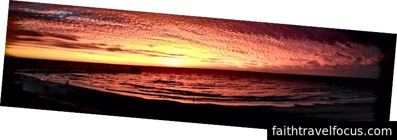 панорамна фотографія приголомшливого південно-австралійського заходу сонця (фото: Sarah Healy)