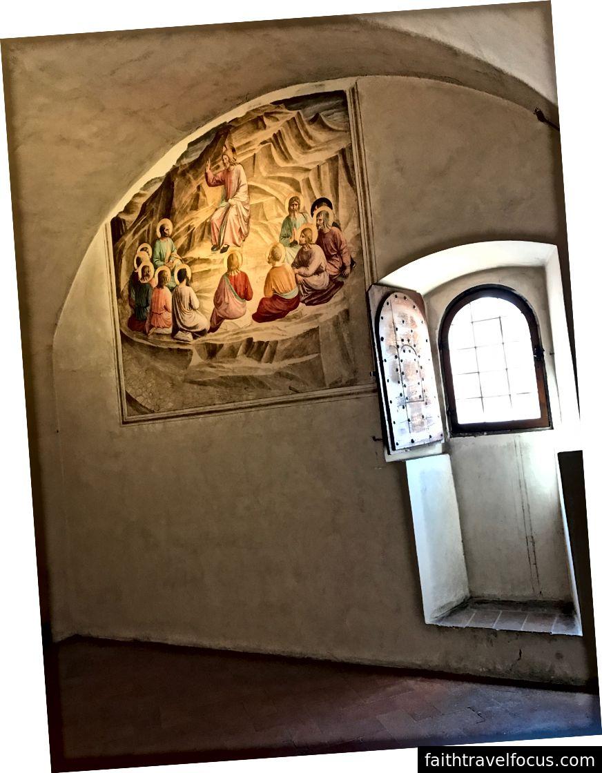 Những bức bích họa tuyệt đẹp bên trong một phòng giam tại Convent of San Marco. | Ảnh: K. Yung
