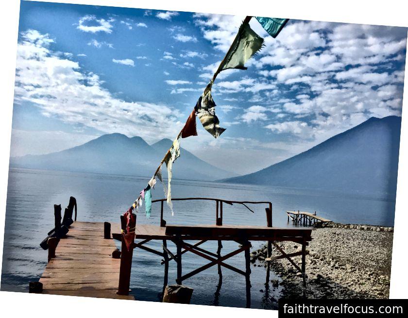 Rút tiền du lịch được đảm bảo sau khi bạn rời khỏi quan điểm này. (Nhà của tôi trong hai tháng qua ở San Marcos, Hồ Atitlan, Guatemala)