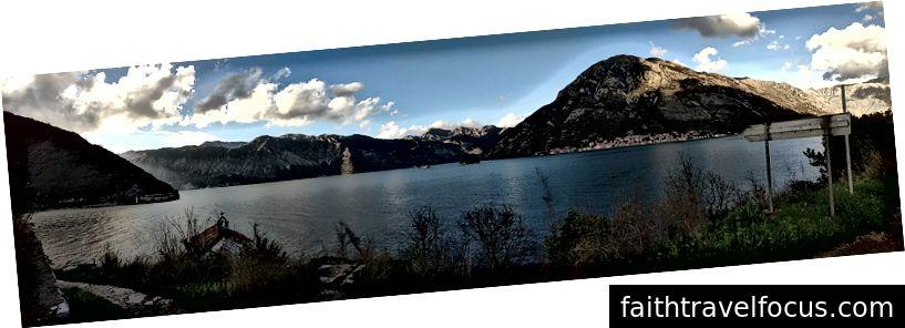Nhìn qua một phần của vịnh tại thị trấn Perast. Tôi đã đề cập đến nó trong ngày 1 của suy nghĩ của tôi.