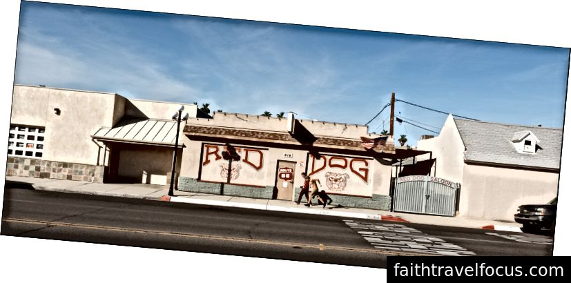 Red Dog Saloon - 914 Broadway, Kim, CA. 4 trận10102012018