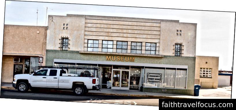 Bảo tàng khu vực kim, 929 Quinn Ct, Kim, CA. 4 trận10102012018