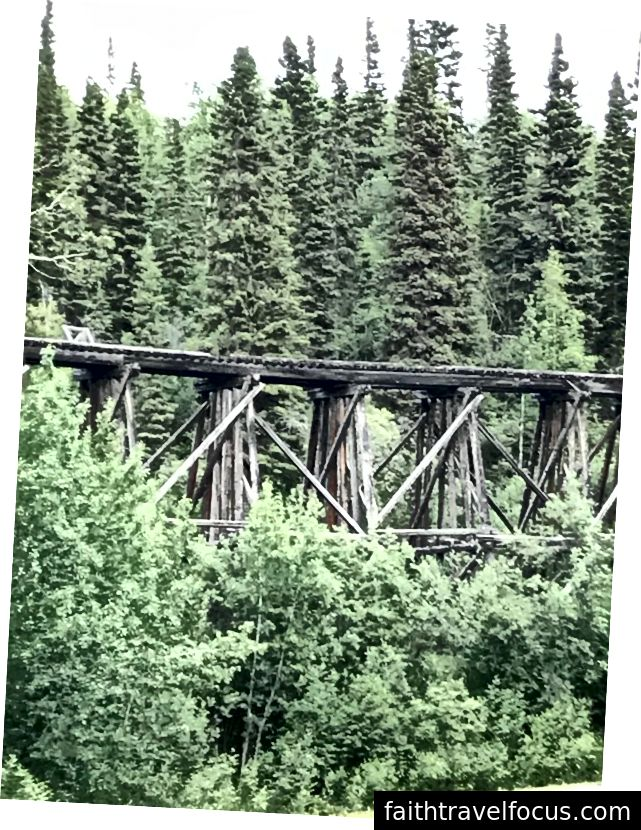 Bu ahşap demiryolu sehpası 1908 yılında inşa edilmiştir. Fotoğraf: Nancy Peckenham