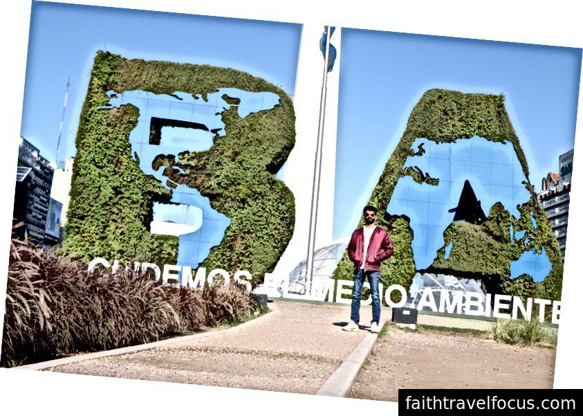 Tôi ở phía trước của Obelisk ở Buenos Aires