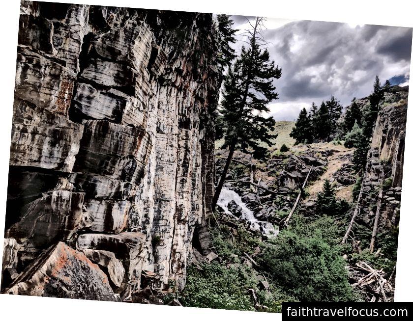 Tải nặng và nước cao; Thác ẩn, Yellowstone