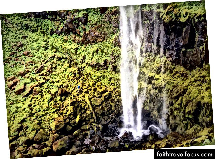 У Лісі є багато великих і красивих водоспадів, включаючи 272-метровий водоспад Ватсон.