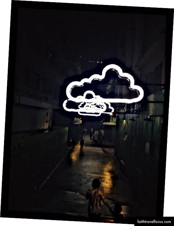 KL'deki en sevdiğim caddelerden biri - Sadece bir kaç sonsuz neon bulut