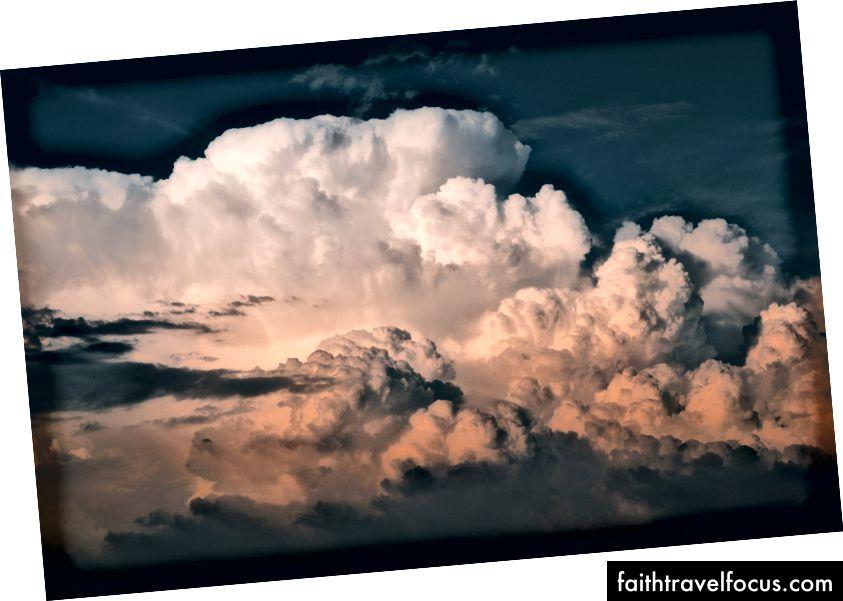 """""""White bulutlu gökyüzü"""", Cédric Dhaenens tarafından Unsplash'da"""
