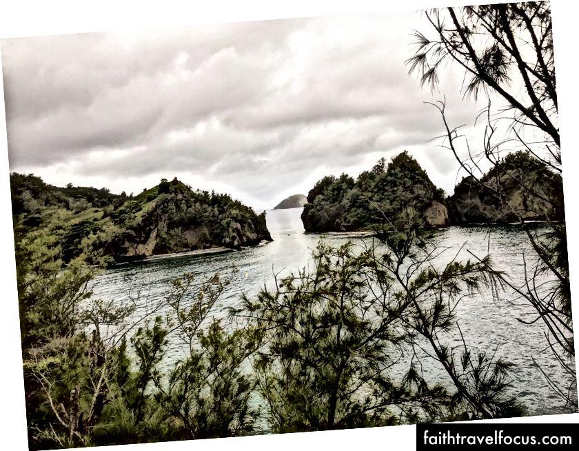 Chichijima'daki İkinci Dünya Savaşı sığınağından bir manzara - By Me
