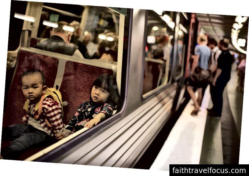 Поїзд до Гамбурга, Німеччина.