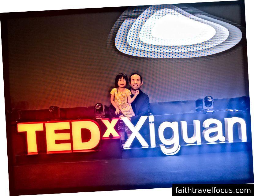Little Chow và tôi trong TEDxXiguan gần đây, tháng 8 năm 2018