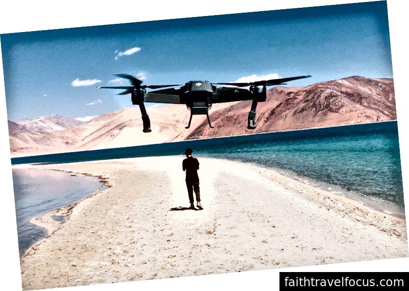 Nishit lang thang trong chuyến đi Ladakh của mình