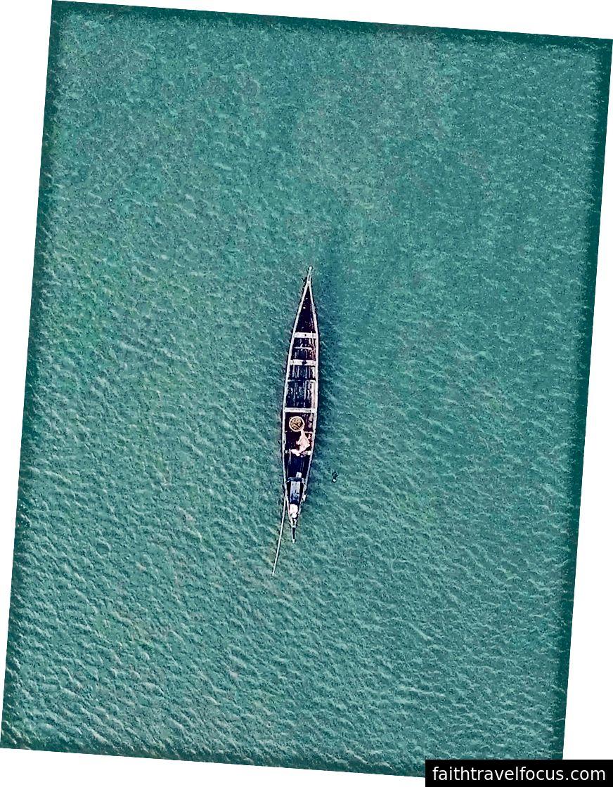 Một cảnh quay không người lái của dòng nước nguyên sơ tại Kumarakom