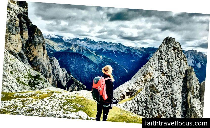 Đi bộ ở Dolomites, Ý