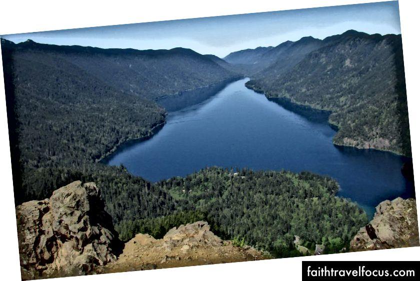 Quang cảnh từ đỉnh núi Storm King. Bức ảnh của Jeff Suwak.