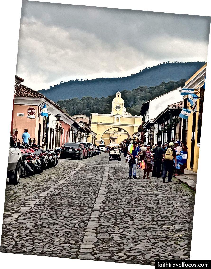 Ảnh Antigua Guatemala của Aukai Dunn