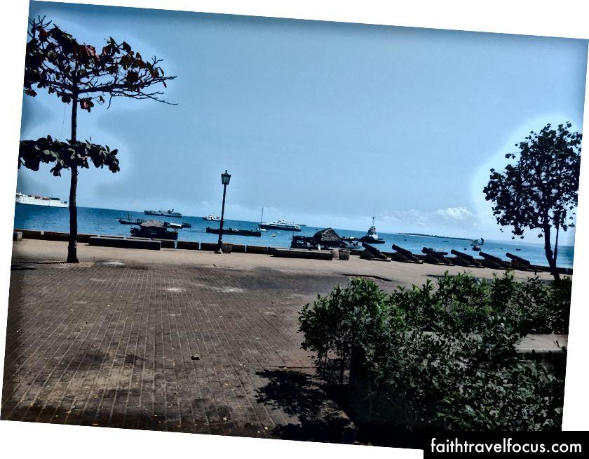 Một cảnh biển khác nhiều từ nhà nghỉ.