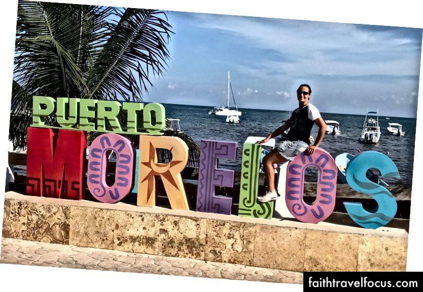 Şimdiye kadar ziyaret edilen her Meksika kasabasında böyle bir işaret var - harika!