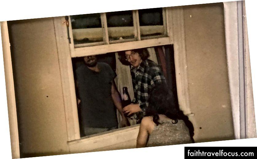 Arkadaşım Reed ile bir pencereden