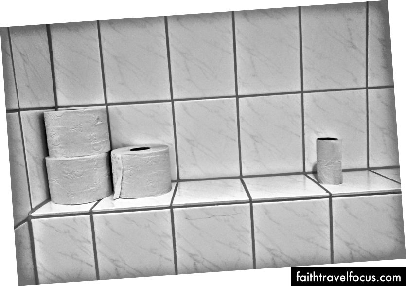 Ba ba giấy vệ sinh 'của Michael Jasmund trên Bapt