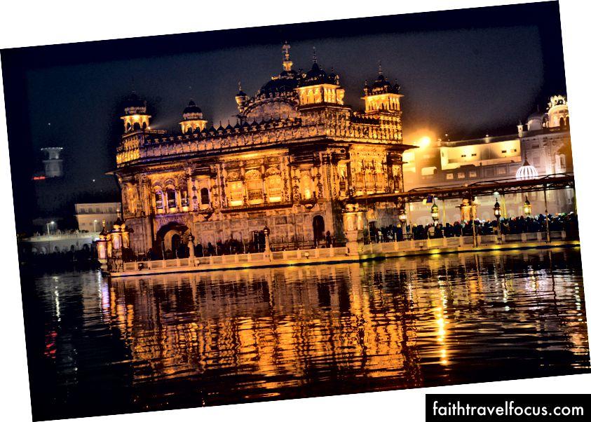 Amritsaras Zelta templis, foto autors: © Alton Burkhalter