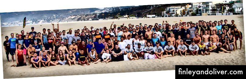Daļa no pārsteidzošās Spikeball kopienas West Coast Grand Slam Tour Stop turnīrā