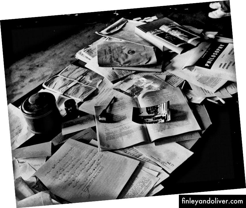 Einsteins bureau een paar uur na zijn dood. Bron: LIFE Magazine
